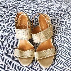 Excellent Condition Jack Rogers Wedges Size 7 Gold